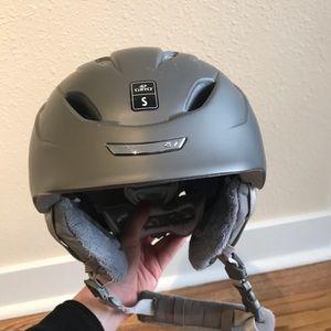 Giro decade women's ski helmet small